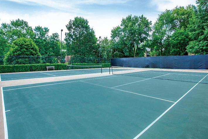 TennisCourts01.jpg