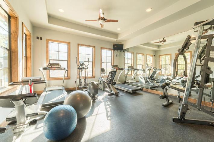 Fitness-Center-2.jpg