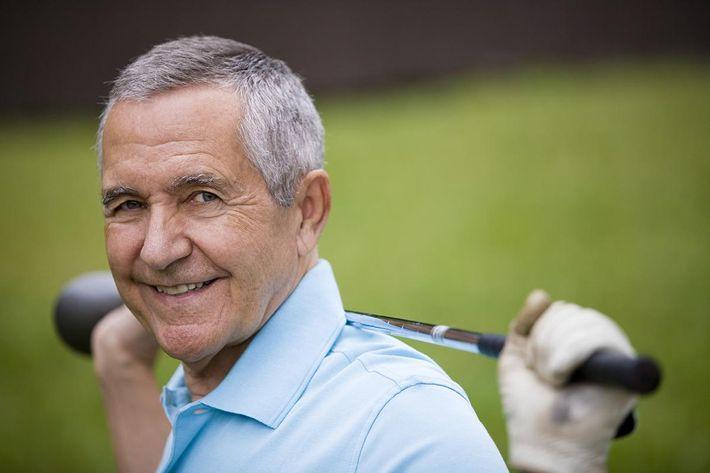 Senior Golf Portrait_iStock-157526151_1200.jpg
