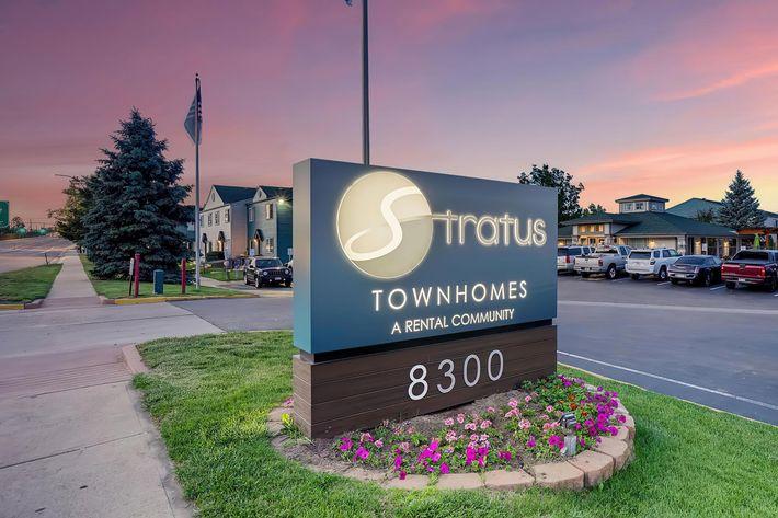 Stratus Townhomes-large-029-034-Monument2-1500x1000-72dpi.jpg