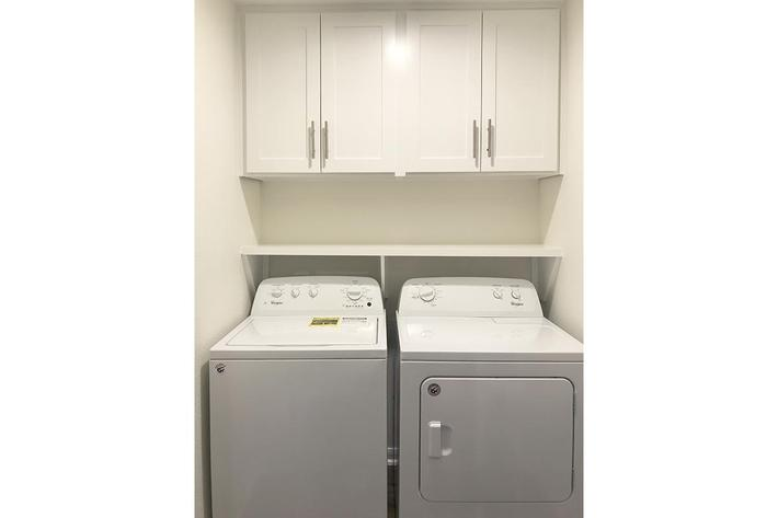 3 bed full size washer dryer connections.jpg