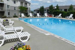 Swimming pool at Hickory View Apartments in Nashville, TN