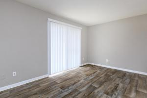 Splendid floors in Hickory View Apartments living rooms