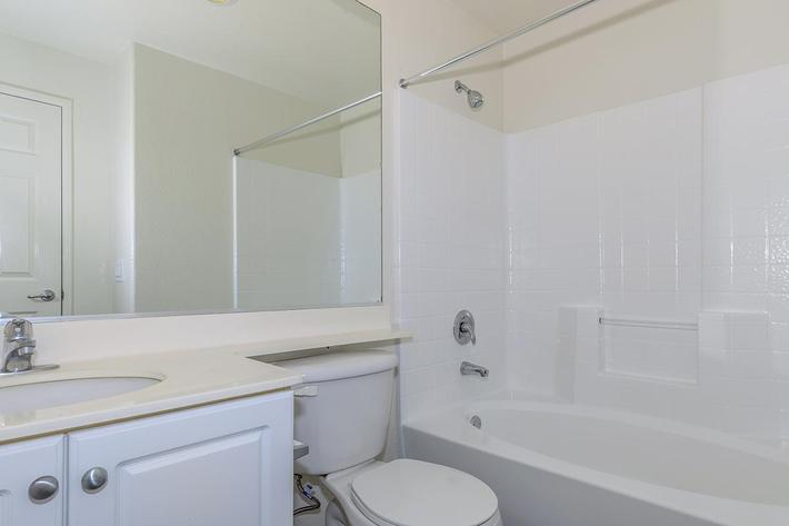 05d Second Bathroom.jpg