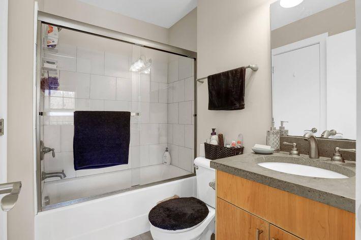 Bath B from bed door.JPG