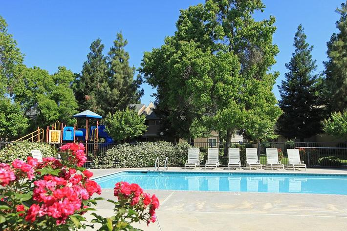 Soak up the sun at Madera Villa