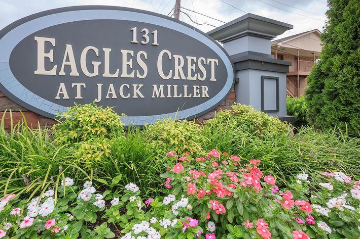 Eagles Crest at Jack Miller Monument Sign