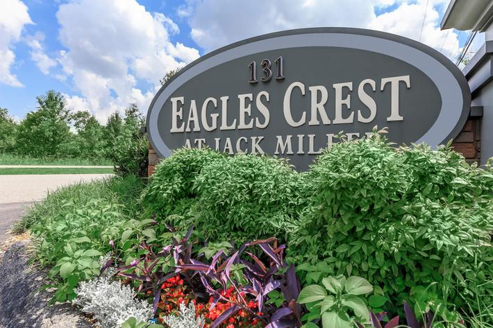 Welcome Home to Eagles Crest at Jack Miller in Clarksville, TN