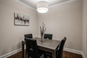 ENJOY THOSE GOURMET MEALS IN YOUR SPACIOUS DINING ROOM