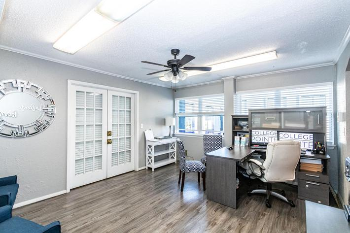 College Pointe Apartments-35.jpg