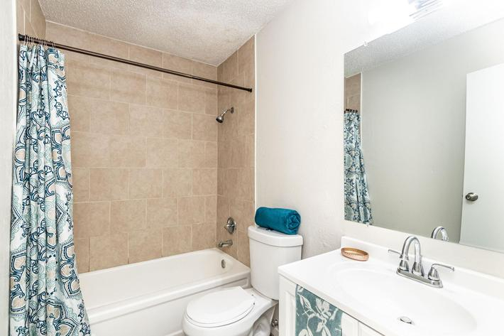 Fresh Pristine bathrooms at The Pointe Apartments