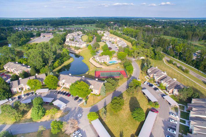 Spring Valley Farmington Hills MI - Aerial Exterior.jpg