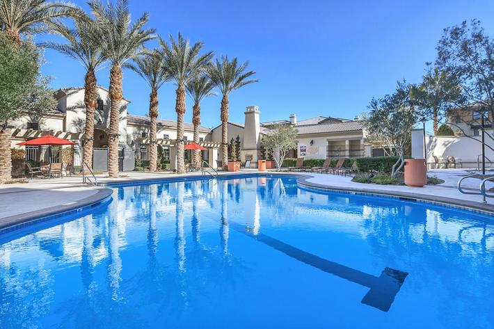 Shimmering swimming pool at Loreto in Las Vegas, Nevada