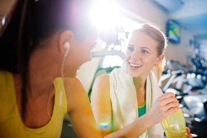amenities-fitness-towel-girls.jpg