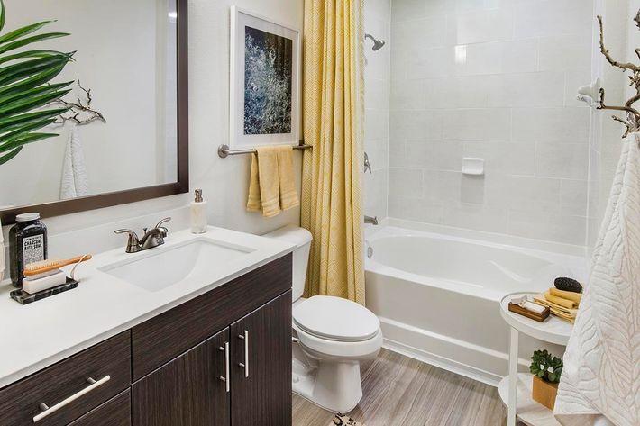 Model Bathroom 02.jpg