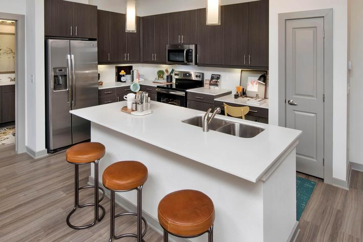 Model Kitchen 02.jpg