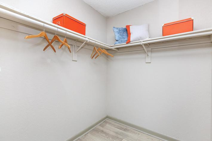 Harlinsdale Walk-in Closet At The Whitney In Franklin, Tennessee