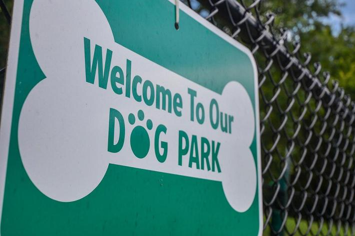 Fenwick Place Apartments in Louisville, KY - Dog Park 01.jpg