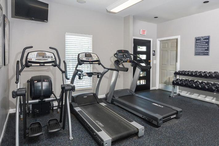 Fenwick Place Apartments in Louisville, KY - Fitness Center 02.jpg