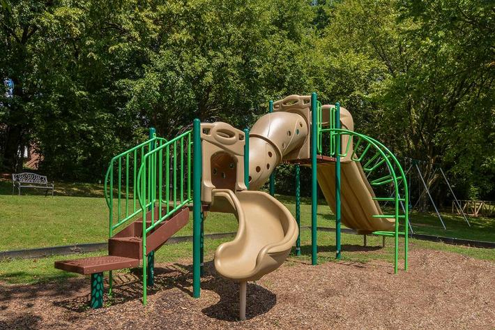 Fenwick Place Apartments in Louisville, KY - Playground 01.jpg