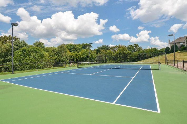 Fenwick Place Apartments in Louisville, KY - Tennis Court 01.jpg