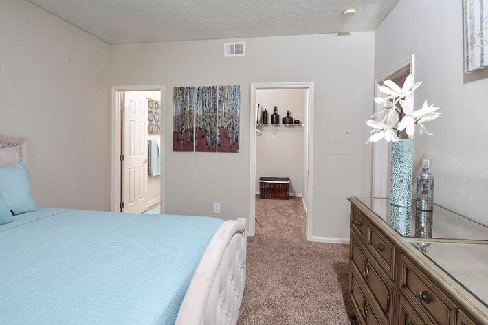 Fenwick Place Apartments in Louisville, KY - Interior 07.jpg