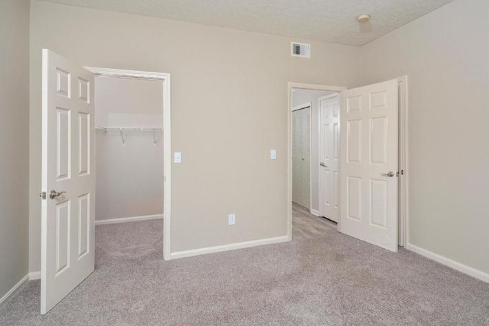 Fenwick Place Apartments in Louisville, KY - Interior 17.jpg