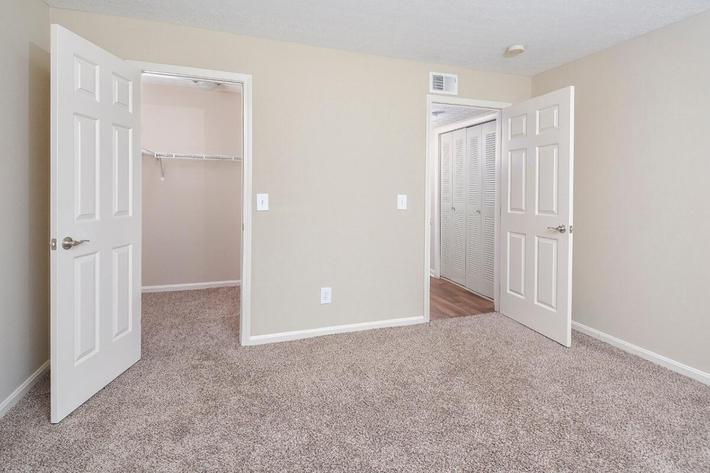 Fenwick Place Apartments in Louisville, KY - Interior 23.jpg