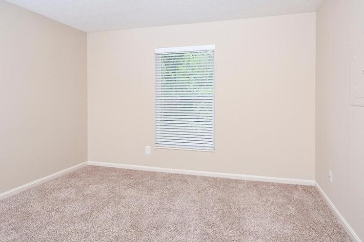Fenwick Place Apartments in Louisville, KY - Interior 25.jpg