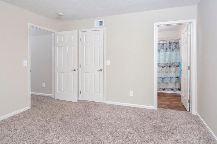 Fenwick Place Apartments in Louisville, KY - Interior 26.jpg