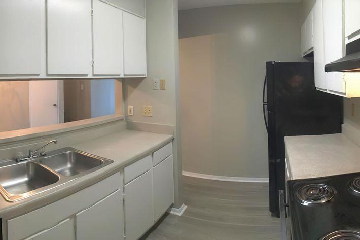 3br kitchen 2-width-2400px.jpeg