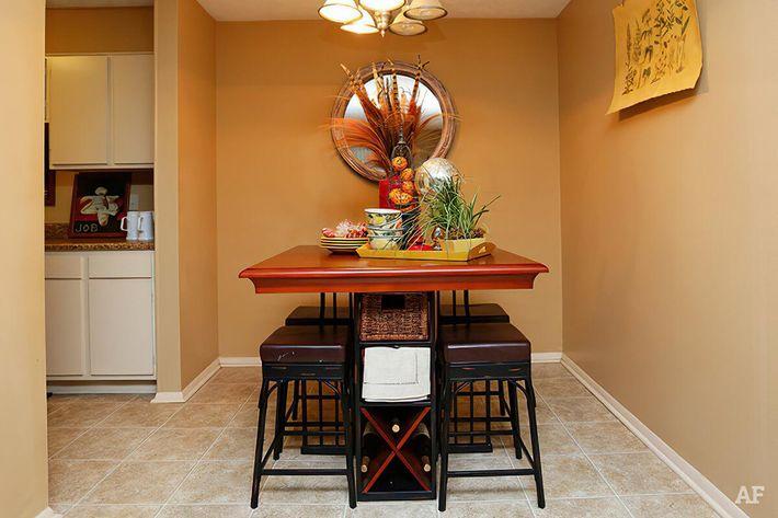 Dining Room-width-2400px.jpg