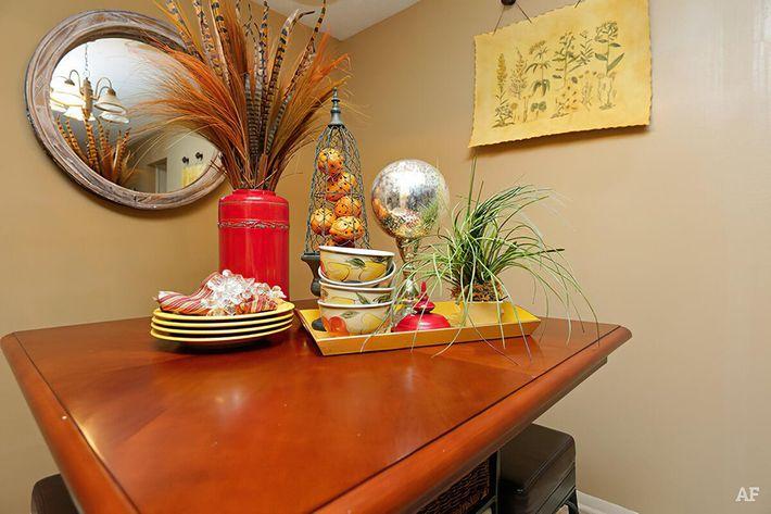 Model Dining Room-width-2400px.jpg