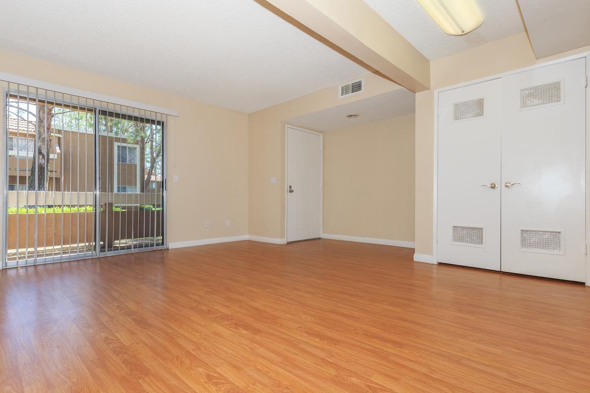 01a-Living Room.jpg