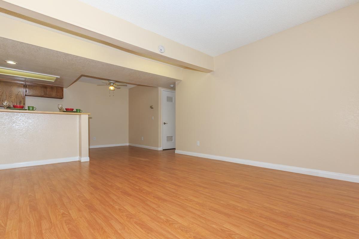 01b-Living Room.jpg