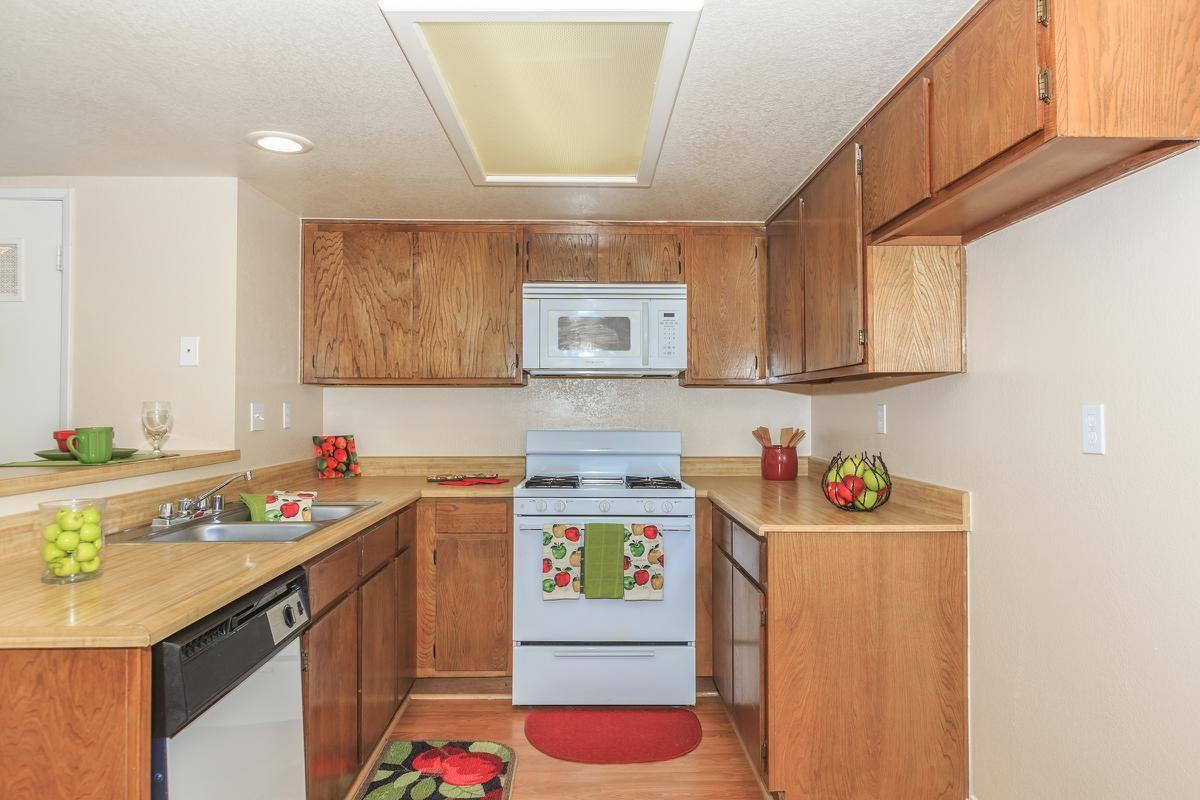 02a-Kitchen.jpg
