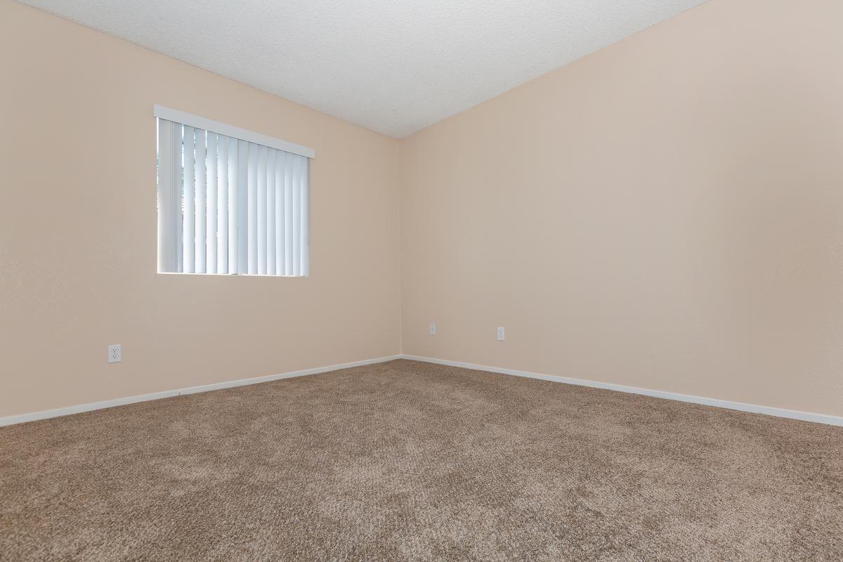 04a-Master Bedroom.jpg