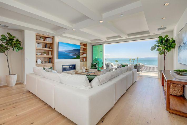 Sea View Villas Edits-8.jpg
