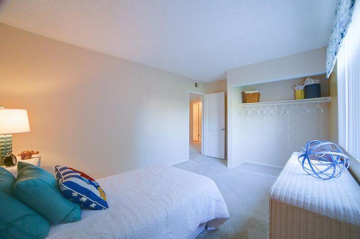 3x2 3rd Bedroom.jpg