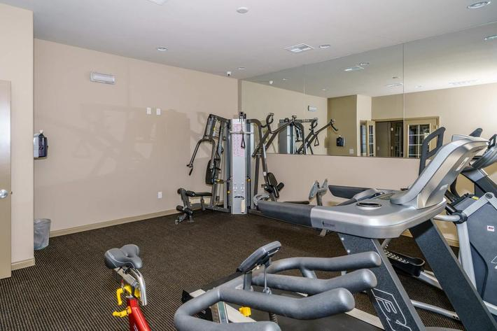 STATE-OF-THE-ART FITNESS CENTER AT JARDIN GARDENS IN NORTH LAS VEGAS