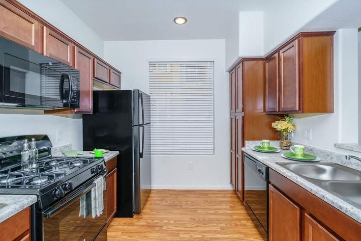 DESIGNER KITCHENS AT JARDIN GARDENS IN LAS VEGAS