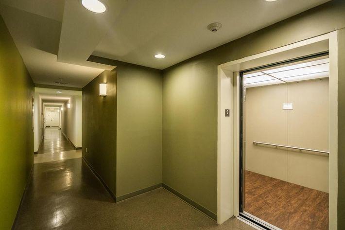 Elevators at 715 Woodland