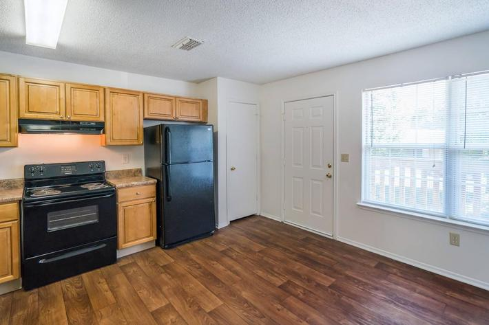 Three Bedroom Apartment with Electric Kitchen at Willow Pointe in Antioch