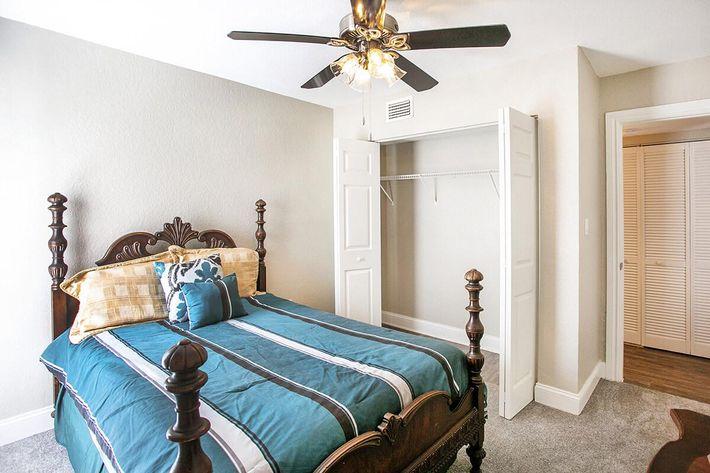 seastone-luxury-apartments-tampa-fl-the-amante---2bd2ba---1100-sqft---2nd-be (1).jpg