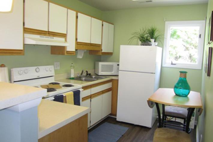 Pinetree Clubhouse Kitchen.jpg