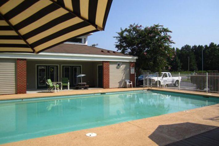 Pinetree Pool 6.jpg