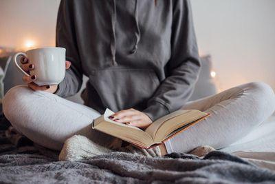 interior-bedroom-Girl drinking tea in bed.jpg