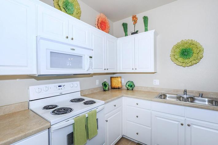 Fully Appointed Kitchens at The Paseo Apartments in Goodyear, Arizona