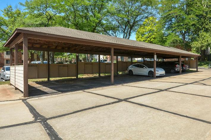 Park Forest Apartments in Affton, MO - Carport 01.jpg