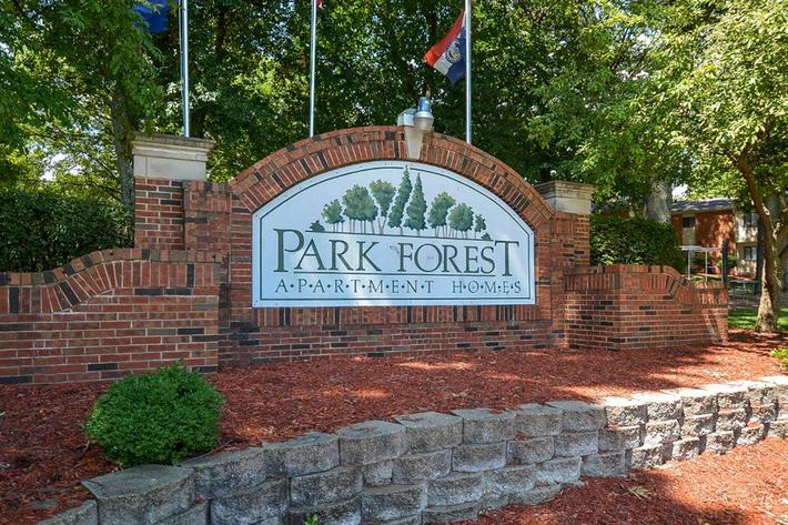 Park Forest Apartments in Affton, MO - Exterior 01.jpg